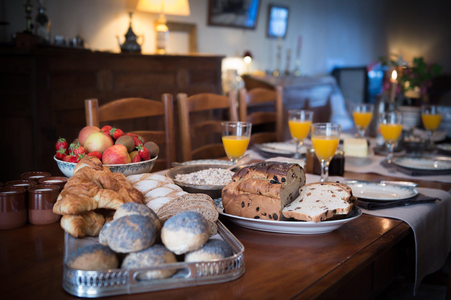 Le Rêve d'Aghon chambre d'hôte Bagnères de Bigorre petit déjeuner